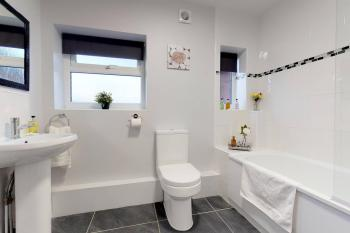 Spacious Family Bathroom with tub & shower
