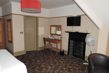 Spacious Room 6
