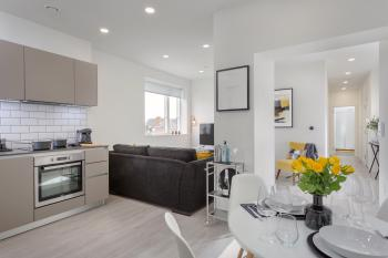 Luxury Serviced Apartments Stevenage, Hertfordshire - Lounge, Kitchen & Dining View