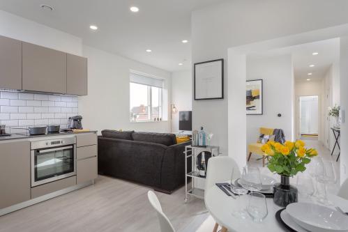 2 Bedroom, 2 Bathroom-Luxury-Apartment-Ensuite - Base Rate