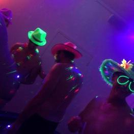 La plage ambiance fluo mini discothèque