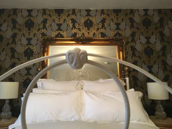 Brunyee bed