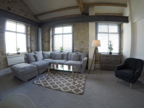 Suite-Ensuite with Bath-Landmark view-Suite - Base Rate