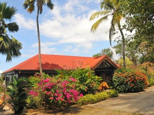 Villa du Jardin Botanique de Deshaies, Ex Propriété COLUCHE