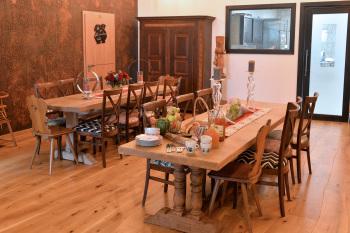 salle commune et petit dejeuner