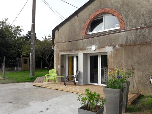 GITE JAUNE 8 personnes :  maison en pierres tout confort entièrement rénovée en 2017