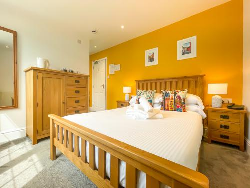 Double room-Ensuite-Garden View-Room 7  - Base Rate