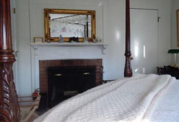 Bushnell Guestroom