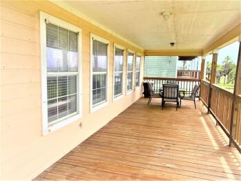 14 Beachfront - Porch