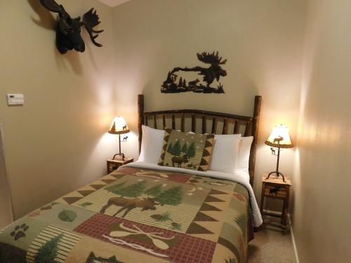Room 04-Queen-Luxury-Ensuite with Bath-Garden View -  Room 04-Queen-Luxury-Ensuite with Bath-Garden View