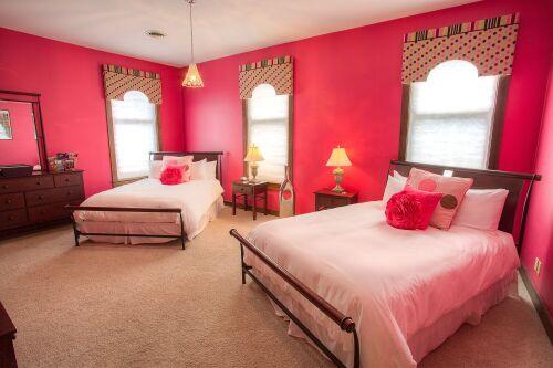 Quad room-Superior-Ensuite-Gala Pink Room.