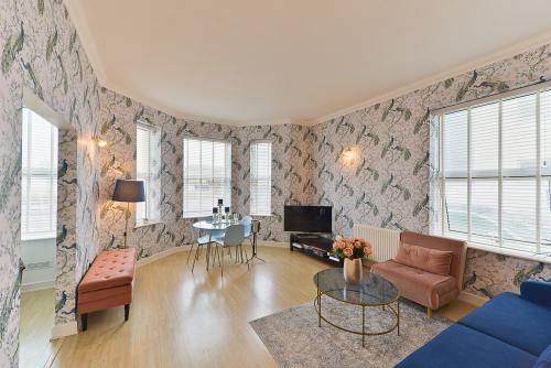 Apartment-Private Bathroom-Sea View - Base Rate
