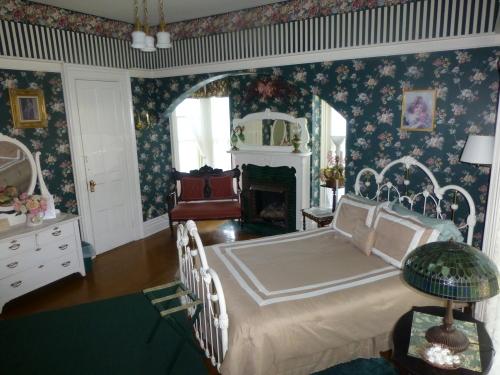 Double room-Ensuite-Standard-Nina Ravenscroft Room