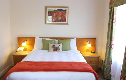 Double Room Ensuite with Breakfast