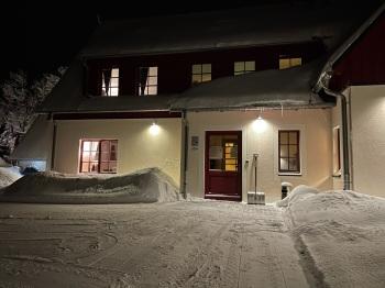 Zur Bergwiese im Winter Eingang