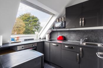 Kitchen - Suitestayzzz - Sandyford Suite