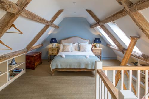 Exclusive Country Cottage with 2 Doubles - The Weekender