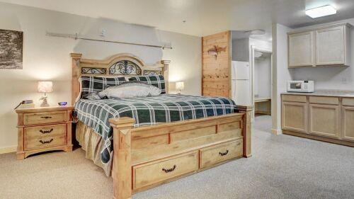 Angler/Alpine Luxury Suites