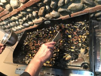 A la table d'hôtes : moules à la plancha