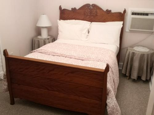 Triple room-Shared Bathroom-Deluxe-6. The Sea pine - Base Rate