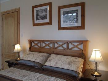 Double room with shared shower facilities