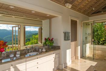 Villa #1 Bathroom