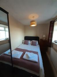 Double room-Ensuite with Shower-Cosy-Country View