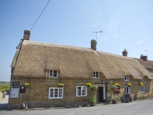 Pretty thatched pub