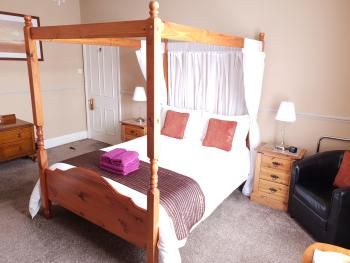 Double room-Ensuite-Large (Four Poster)