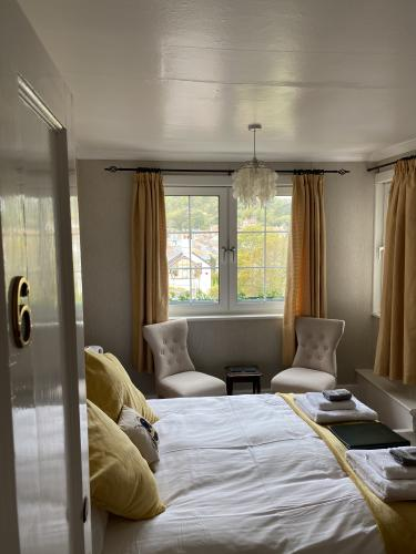 Double room-Comfort-Ensuite with Shower-Partial sea view