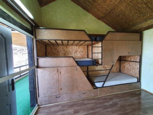 Dormitorio-Baño compartido - Base Rate