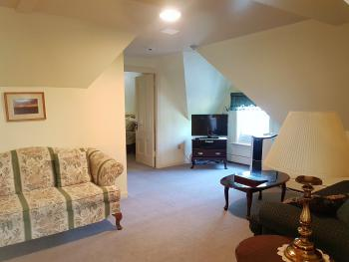 Apartment-Ensuite-Standard-Demone Suite - Rm #6 - Base Rate