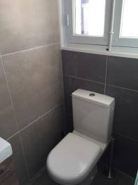 Toilette chambre du bas
