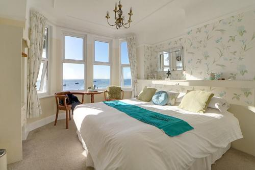 Superior-Double room-Ensuite with Shower-Sea View