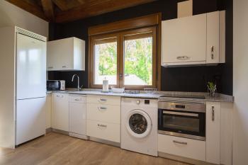 cocina completa apartamento III, imagen