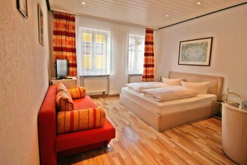Doppelzimmer-Klassisch-Eigenes Badezimmer-Stadtblick