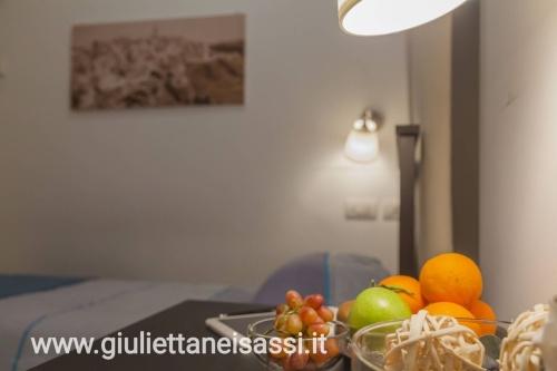 camera 3-Matrimoniale-Economica-Bagno in camera con doccia