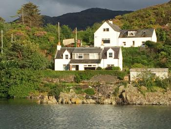 Cottage-Luxury-Private Bathroom-Harbour View-Cottage