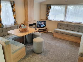 3 Bedroom Caravan, Sleeps 8, at Parkdean Newquay Holiday Park - Living/Dining Area