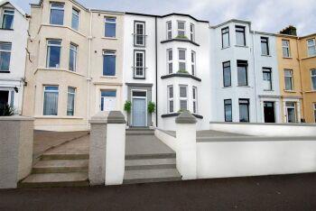 Coast & City - Eglinton Street -