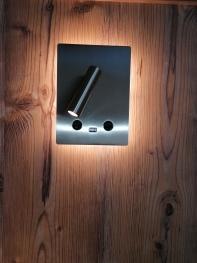 Beleuchtung am Bett mit USB-Anschluß