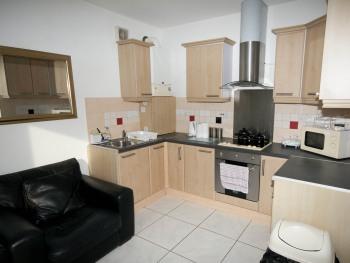 Marley Mansions Apartment - Clarendon - 69/2  -  KITCHEN