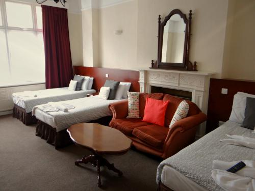 Quad room-Shared Bathroom-Double and Two Single Bed - Standard