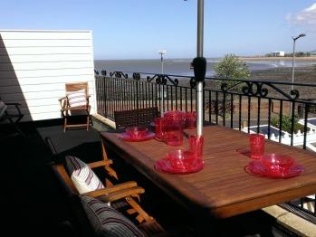 New view Balcony Beachview suite