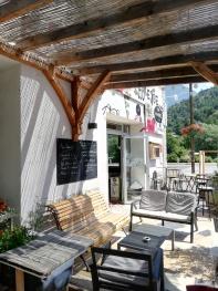 coin salon en terrasse du bistrot