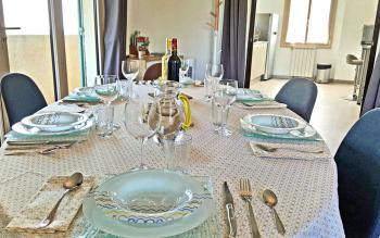 Table salle à manger vers cuisine