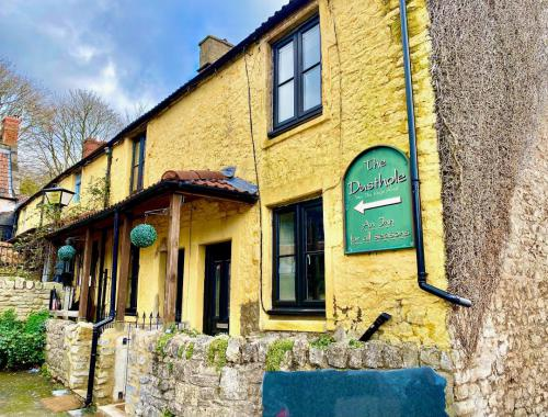Cottage-Luxury-Ensuite with Bath-Courtyard view-1bed cottage  - Base Rate