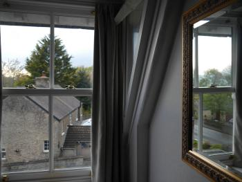 Pleasant surroundings close to the Dales National Park at Eastfield Lodge