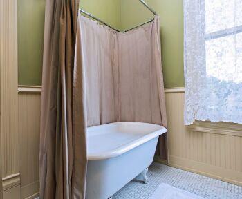 Anderson Room Bathroom
