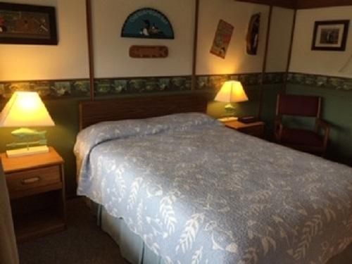 Room 3 - Chequamegon Bay (non smoking)